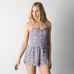 AMERICAN EAGLE OUTFITTERS pattern romper